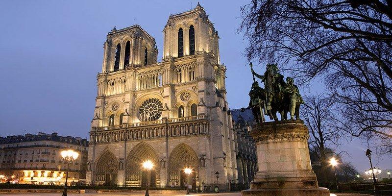 https://www.izbilir.com/uploads/images/2018/07/notre-dame-katedrali-11938752.jpg