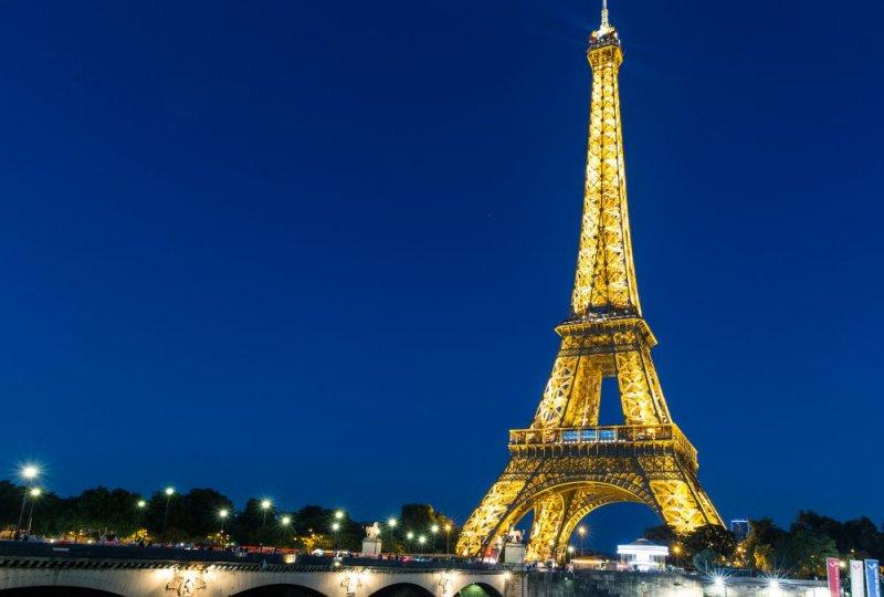 https://www.izbilir.com/uploads/images/2018/07/paris-eyfel-kulesi-4483282.jpg