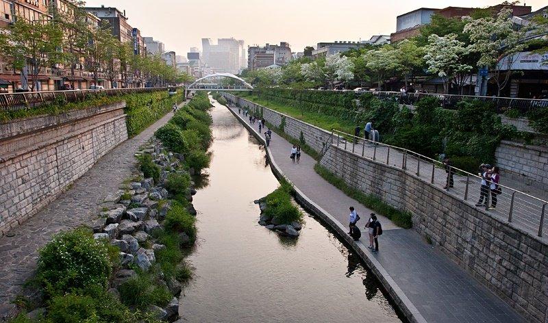 https://www.izbilir.com/uploads/images/2018/07/seul-cheonggyecheon-kanali-72394032.jpg