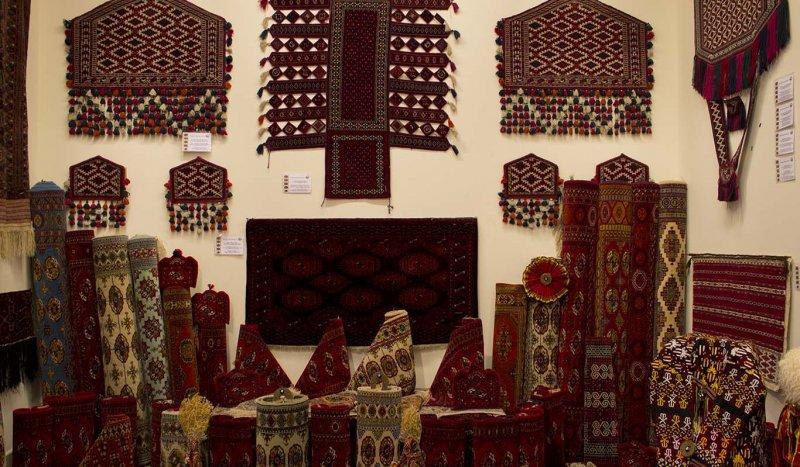 https://www.izbilir.com/uploads/images/2018/07/turkmenistan-turkmen-hali-muzesi-16376318.jpg
