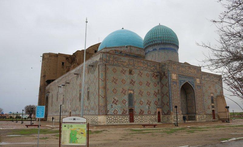 https://www.izbilir.com/uploads/images/2018/08/kazakistan-hoca-ahmed-yesevi-turbesi-82756715.jpg