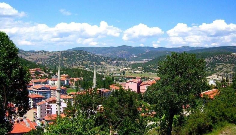 https://www.izbilir.com/uploads/images/2018/08/kurban-bayraminda-gidilebilecek-tatil-bolgeleri-kizilcahamam-57943035.jpg