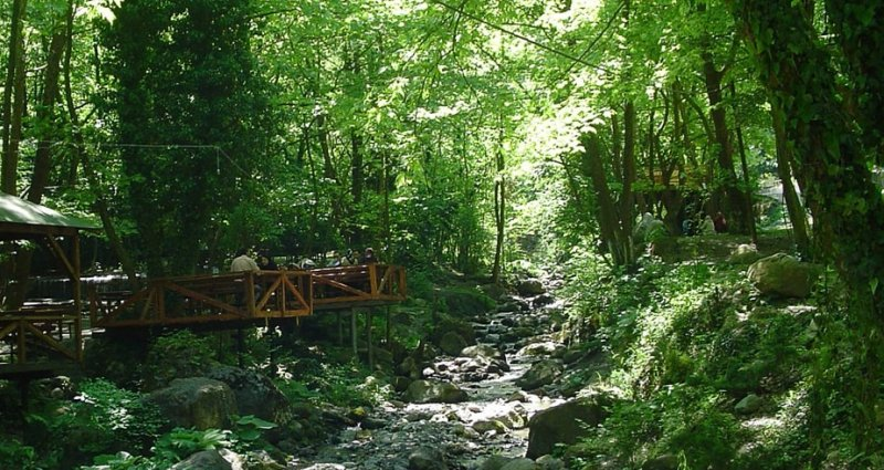 https://www.izbilir.com/uploads/images/2018/08/kurban-bayraminda-gidilebilecek-tatil-bolgeleri-polonezkoy-20905588.jpg