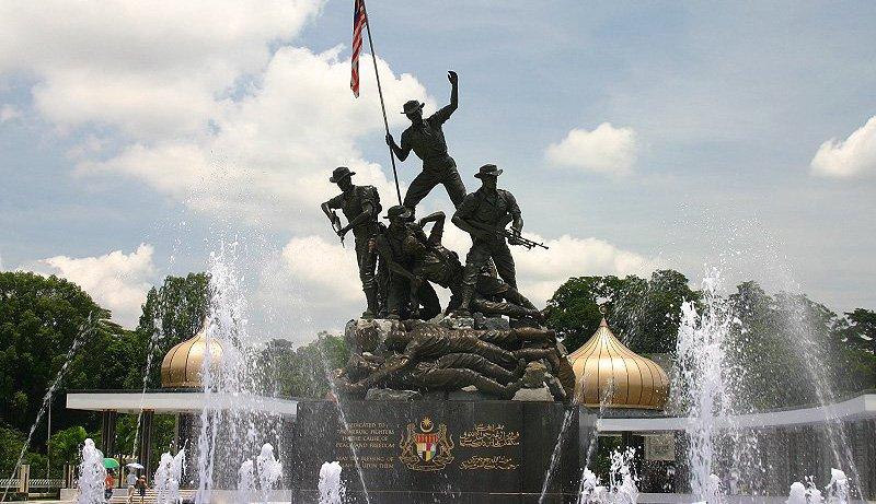 https://www.izbilir.com/uploads/images/2018/08/malezya-milli-anit-national-monument-82599161.jpg