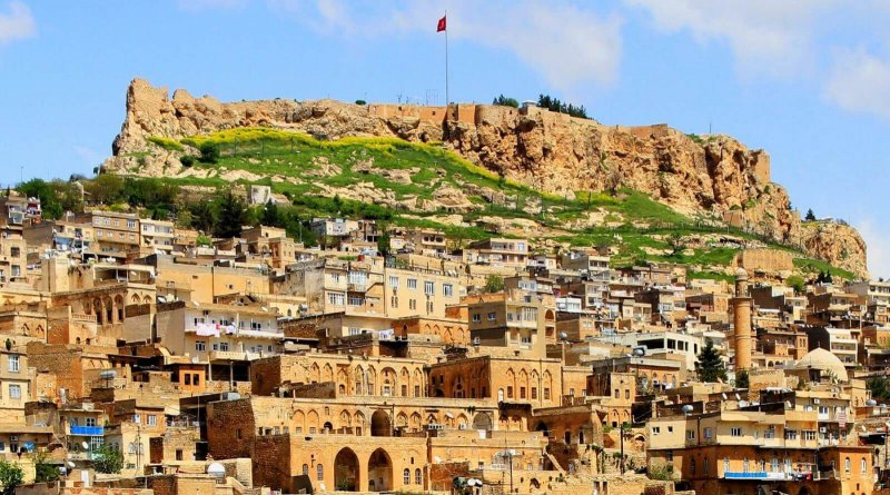 https://www.izbilir.com/uploads/images/2018/08/mardin-kalesi-51645796.jpg