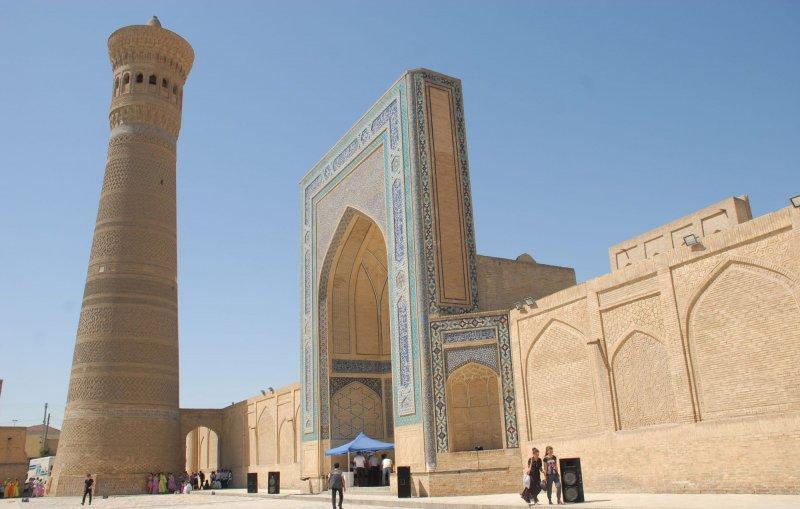 https://www.izbilir.com/uploads/images/2018/08/ozbekistan-kalyan-minaresi-58424047.jpg
