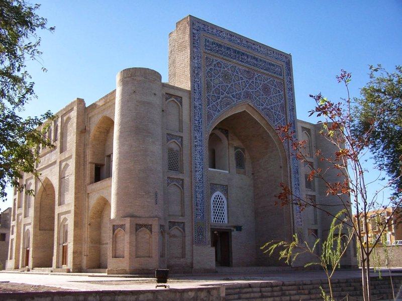 https://www.izbilir.com/uploads/images/2018/08/ozbekistan-nadir-divan-beyi-medresesi-85545570.jpg