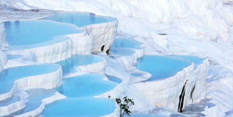 https://www.izbilir.com/uploads/images/2018/10/pamukkale-travertenleri-27756172.jpg