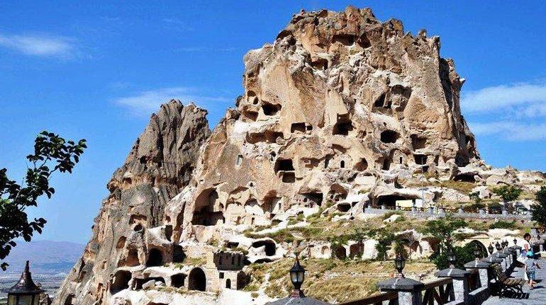 https://www.izbilir.com/uploads/images/2018/10/uchisar-kalesi-5404389.jpg