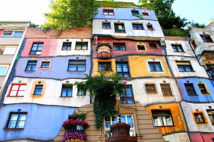 https://www.izbilir.com/uploads/images/2018/10/viyana-hundertwasser-evi-673797.jpg