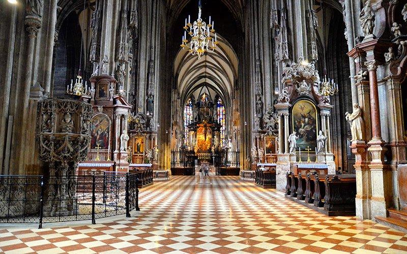 https://www.izbilir.com/uploads/images/2018/10/viyana-st-stephen-katedrali-28213200.jpg