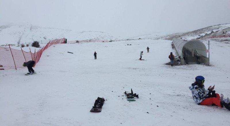 https://www.izbilir.com/uploads/images/2019/01/nikfer-kayak-merkezi-53115413.jpg